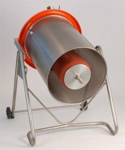 Hidraulikus prés (180 literes), megdöntve, fedél nélkül