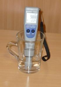 Digitális pH-mérő (savfok mérő)