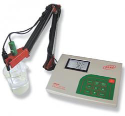 AD 8000 laboratóriumi pH-, ORP-,  EC-, TDS- és hőmérsékletmérő GLP-vel, opcionálisan rendelhető elektródatartó állvánnyal együtt