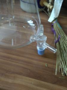 Automatikus illóolaj leválasztó laborüvegből - leeresztő csap