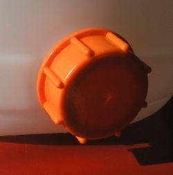 Záró kupak, az alsó és a felső nyíláshoz is használható