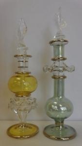 Szoknyás üveg dísz és tároló tetővel