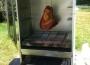Mobil húsfüstölő szekrény csülökkel